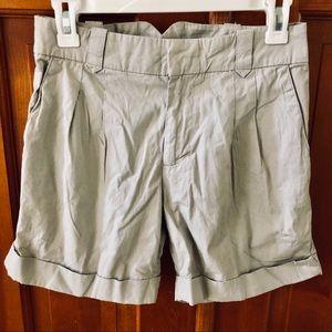 Zara brand lightweight khaki summer shorts ☀️